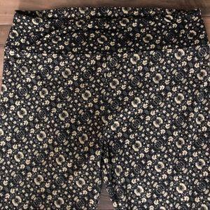 LuLaRoe tall and curvy floral leggings